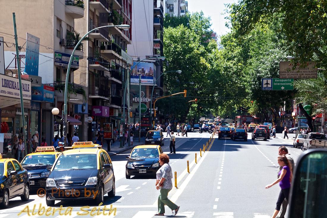 Large Metro C5ity-Buenos Aries