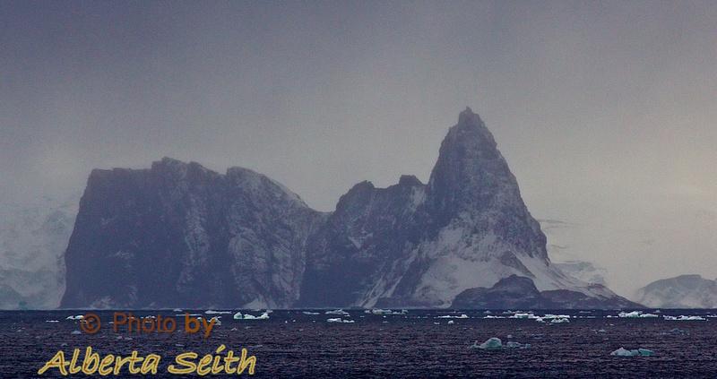 Foggy arrival at Elephant Island