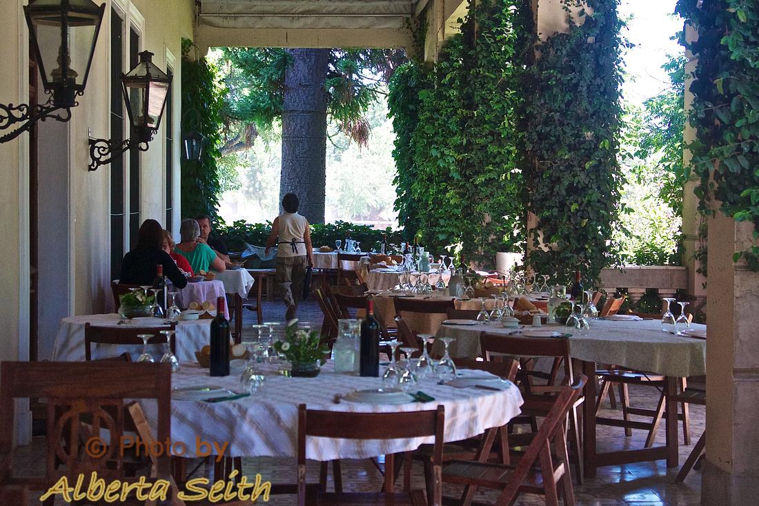 Lunch on the veranda, Estancia El Umbu de Areco