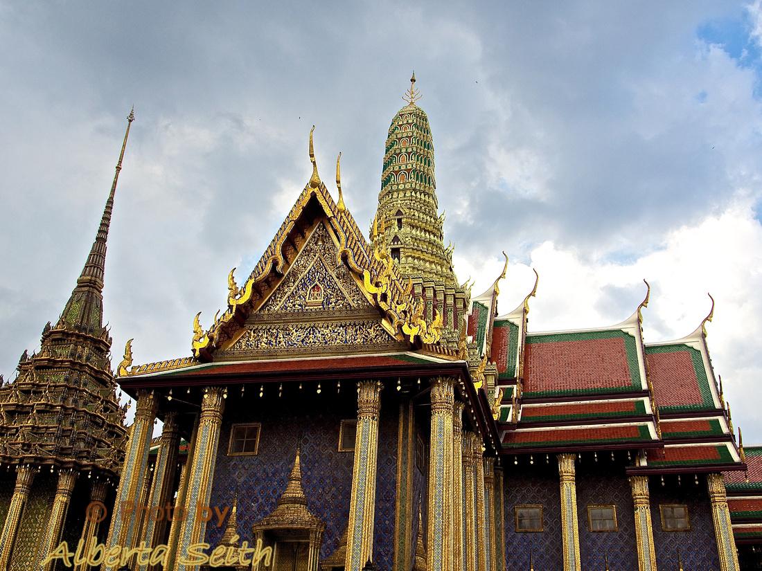 The Grand Palace Wat Phra Kaew-Bangkok