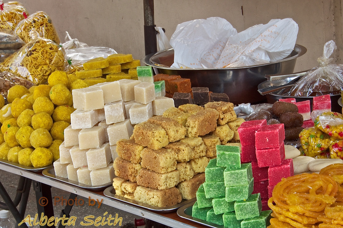 Burmese Sweets at Bogyoke Aung San Market